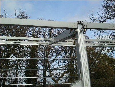 Aluminium profile (steel knuckle at the top of eaves)